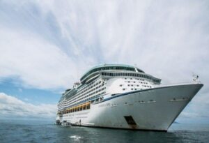 What to Look for in Cruise Ship Reviews